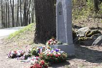 Pomník amerických letců v Konopišti.