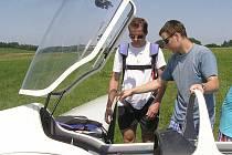 Na vlastní kůži let bezmotorovým akrobatickým letadlem.