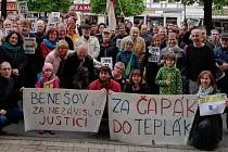 Demonstrace v úterý 28. května 2019 na Masarykově náměstí v Benešově.
