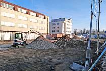 Stavba parkovacího domu v Nádražní ulici v Benešově.