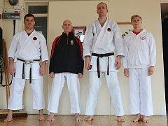 Zleva: Sensei Jaroslav Kulik, sensei Ernie Molyneux, sensei Vlastislav Běhoun, sensei Linda Marchant.