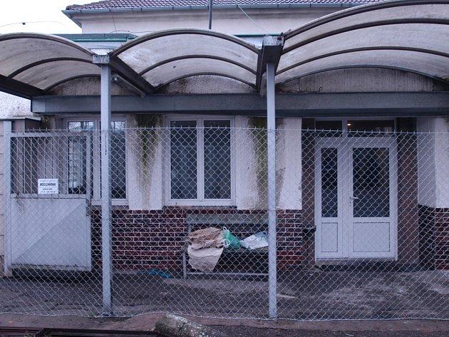 Vrátnice bývalých benešovských Táborských kasáren už brzy nabídne další sociální služby.