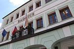 Radnice na Komenského náměstí ve Voticích.