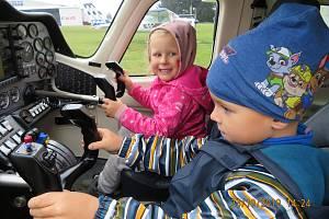 Děti ze školky MiniSvět navštívily letiště v Nesvačilech.