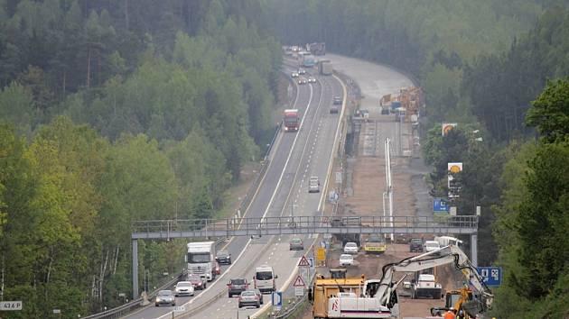 Práce na rekonstrukci dálnice D1.