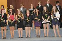 Slavnostní předání maturitních vysvědčení absolventům Obchodní akademie Neveklov.