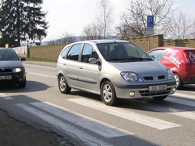 V dopravních špičkách projede obcí až 1000 vozidel za hodinu.