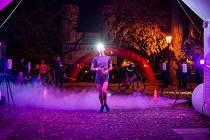 běh nočním vlašimským záneckým parkem