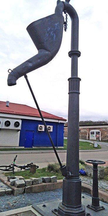 Z instalace pamětní desky připomínající první jízdu parního vlaku z Vídně do Čerčan.