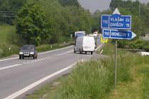 Spirálovitou okružní křižovatku ŘSD postaví přibližně 200 metrů jižně od stávající křižovatky silnice I/3 Praha - Tábor s Křižíkovu ulicí.