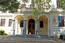 Gymnázium Benešov.
