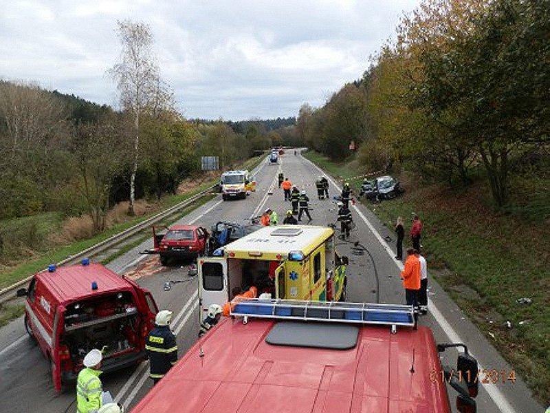 V sobotu 1. listopadu se u Votic jednalo o letošní 13.a 14. úmrtí v souvislosti s provozem na pozemních komunikacích.