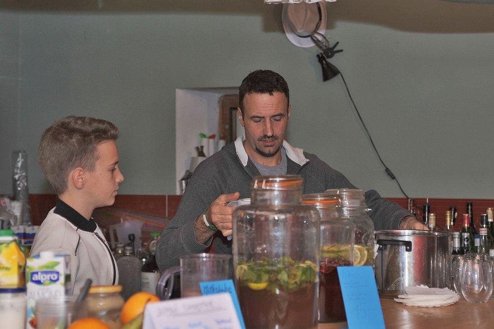 Při sázavském Restaurant Day mohli přítomní ochutnat různorodé delikatesy.