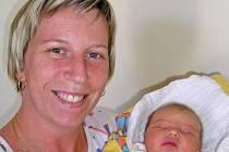Radost z nového potomka jistě má i Romana a Pavel Kohoutkovi ze Želivce. Malá Kristýnka se narodila 7. dubna v sedm hodin a dvacet šest minut ráno s porodní váhou 3,20 kilogramy a mírou 48 centimetrů.