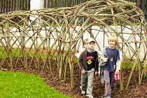 Novou atrakcí zahrady za Spolkovým domem Vlašim je například vrbový tunel.