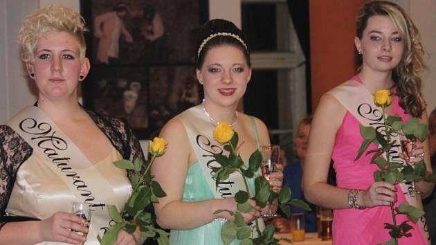Jednou z pravidelných akcí OA Neveklov je maturitní ples.