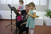 Hra na flétnu v Domě dětí a mládeže v Benešově.