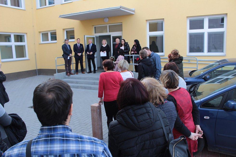 Slavnostní zahájení provozu Základní školy a Praktické školy Benešov se konalo v pondělí 25. února 2019.