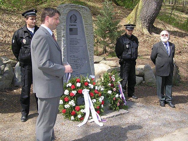 U pomníku v Konopišti.