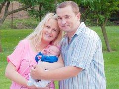 Malý Vojtěch se narodil 19. července v 0.42. Při příchodu na tento svět vážil 3,59 kilogramu a měřil 49 centimetrů. Z prvorozeného syna se radují rodiče Michaela a Jan Hruškovi z Tismi.