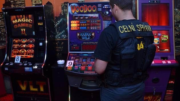Středočeští celníci zaznamenávají zvýšený výskyt provozování hazardních her, a to napříč celým Středočeským krajem.