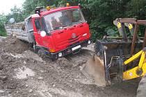 Peceradský déšť utopil tatru v bahně