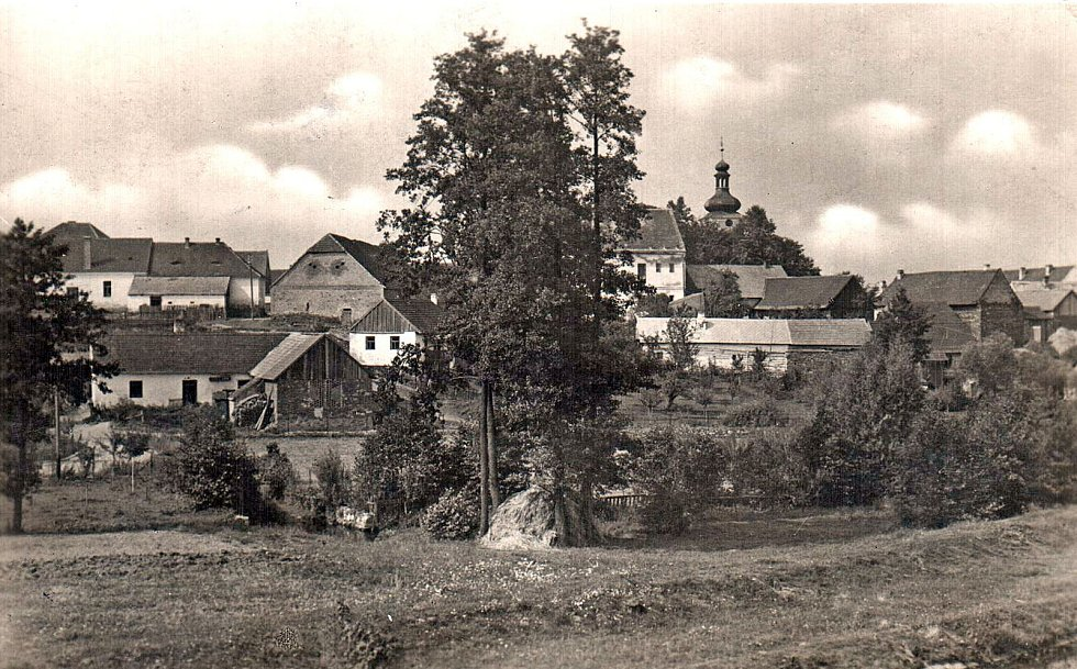 Přesto, že je Kamberk spojována s důlní činností, malebný kraj kolem je a byl především zemědělský využívaný.