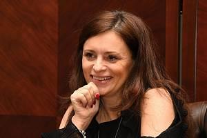 Hejtmanka Středočeského kraje Jaroslava Pokorná Jermanová na předvánočním setkání s novináři.