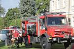 Děti z neveklovské a křečovické školy si užívaly her při Dni záchranářů v Tloskově.