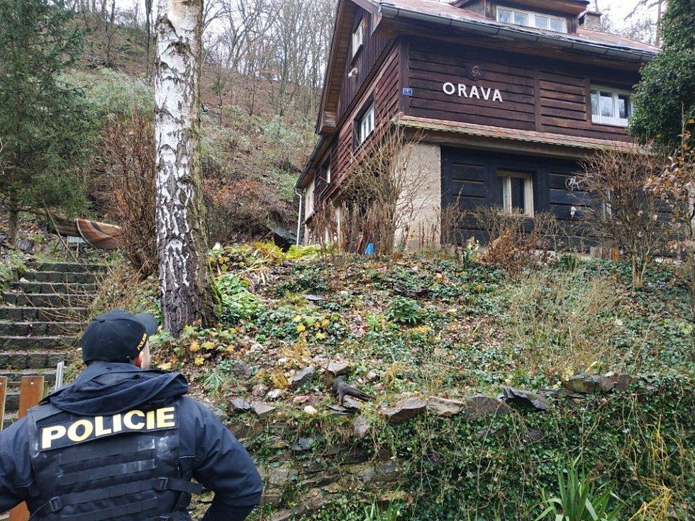 Z policejní kontroly rekreačních lokalit v okolí Hradištka.
