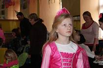 Ani louňovické děti nebyly ošizené o maškarní veselí.