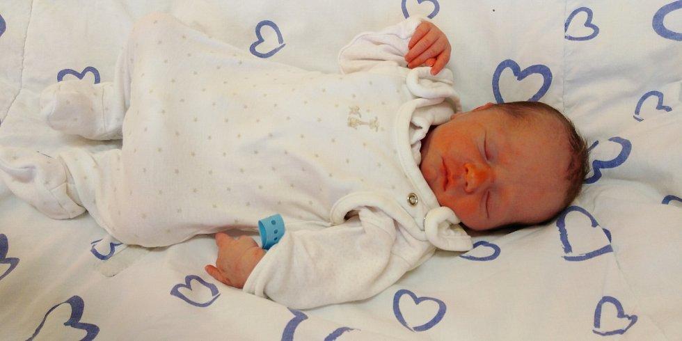 Šimonek Táborský se narodil 20. dubna 2021 ve 13. 27 hodin v čáslavské porodnici. Vážil 2630 gramů a měřil 48 centimetrů. Doma v Tupadlech se z něj těší maminka Kateřina a tatínek Petr.