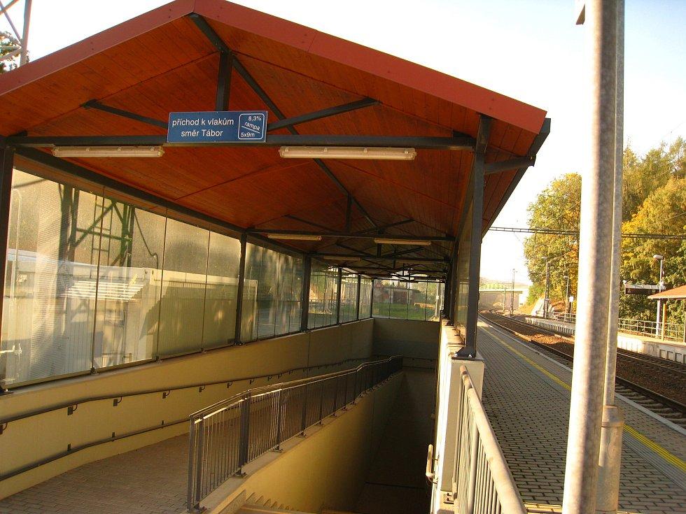 Vlakové nádraží ve Voticích.
