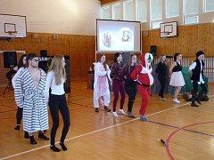 Vítězné vystoupení vánoční akademie na OA Vlašim předvedla třída 2. B.