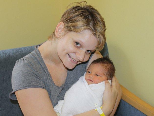 Irena Brejchová a Radek Jeníček z Benešova se stali rodiči prvorozené dcery Dominiky, která se narodila 7. listopadu ve 20.10. Při příchodu na tento svět vážila 3,06 kilogramu a měřila 48 centimetrů.
