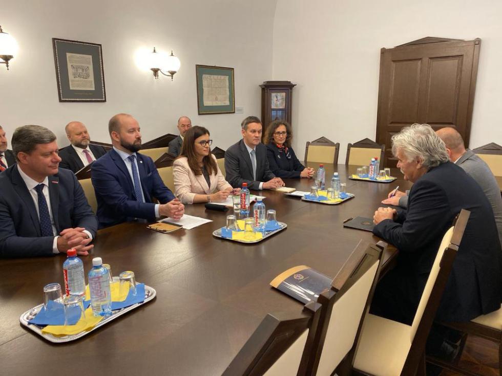 Z jednání hejtmanky Středočeského kraje a zástupců SIC s ministrem inovací a technologií Maďarska panem Lázsló Palkovicsem.