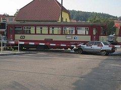 Auto na kolejích