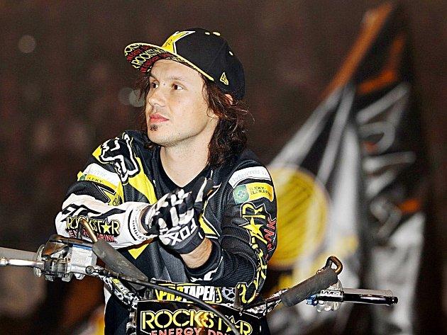 Libor Podmol motokrosový freestylista ze Znosimi je mezi pěticí sportovců Benešovska v jednotlivcích.