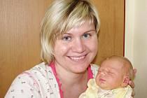 Taťána (3,38 kg, 50 cm) se narodila 13. února v půl třetí odpoledne manželům Pavle a Zbyňkovi Houskovým. Doma v Benešově už jistě chystá postýlku prvorozenému miminku celá rodina.