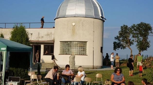 Pozdní odpoledne na Vlašimské hvězdárně.