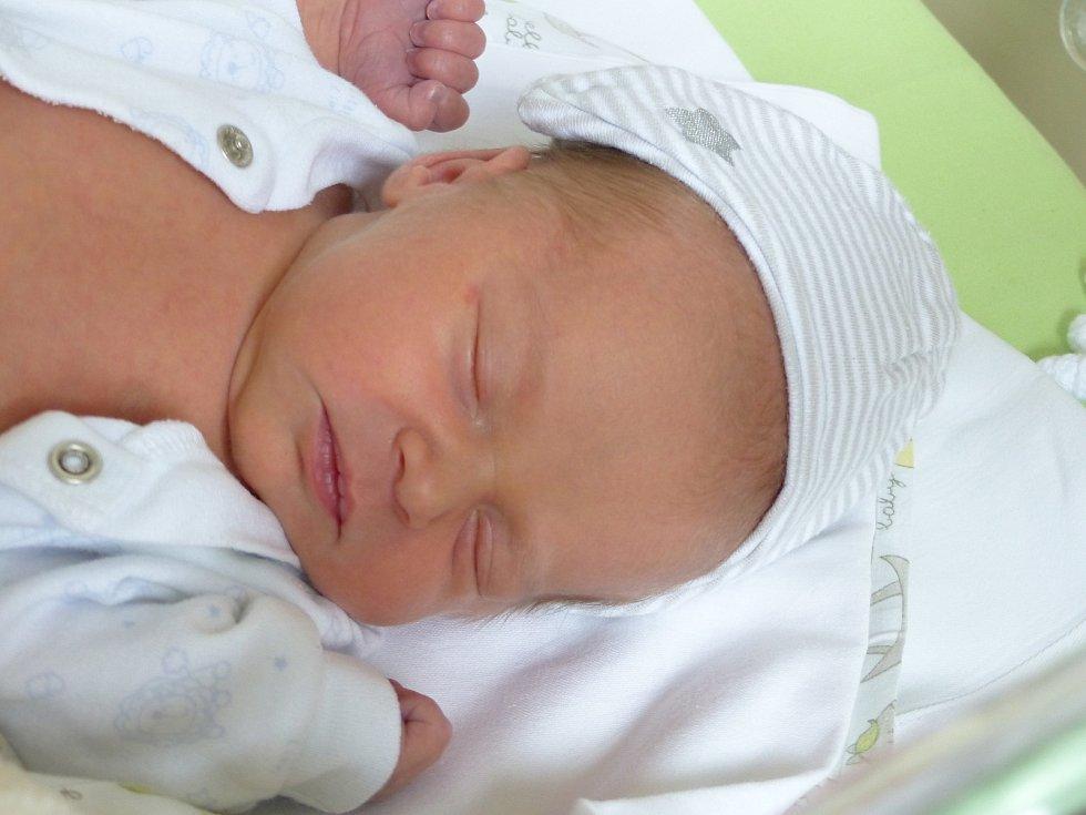 Mia Štrynková se narodila 1. dubna 2021 v kolínské porodnici,  vážila 2280 g a měřila 47 cm. Ve Vavřinci se z ní těší sourozenci Nicol, Nataniel,  Kiarka,  Lili a rodiče Jana a Patrik.
