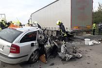 Na Pražském okruhu u Jesenice došlo k vážné dopravní nehodě.