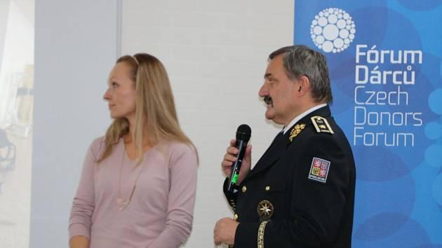 Ředitel středočeské policie převzal ocenění Fóra Dárců 2019.