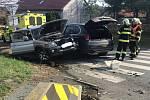 Dopravní nehoda dvou osobních automobilů v obci Vyžlovka