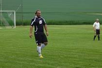 Fotbalista Louňovic Milan Bébr.