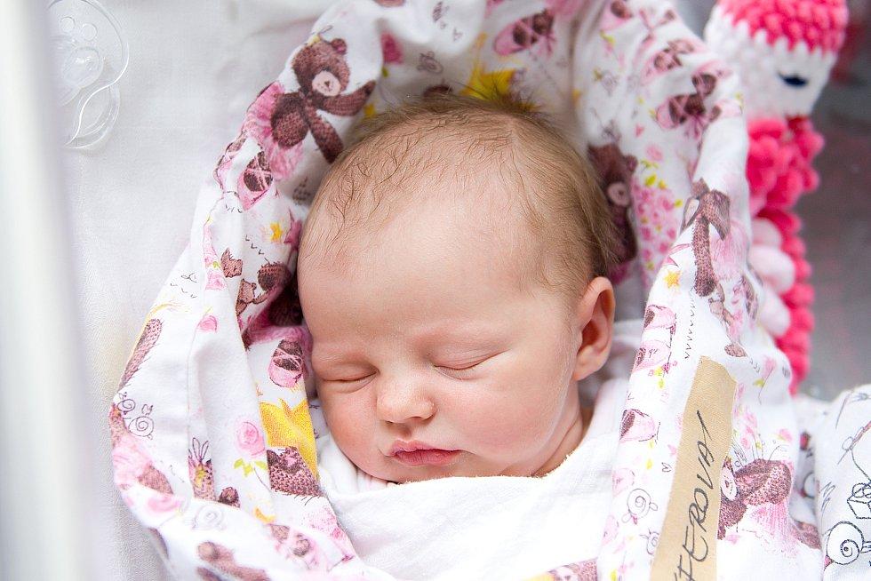 Ella Schäfferová se narodila v nymburské porodnici 4. dubna 2021 ve 20.56 hodin s váhou 3660 g a mírou 50 cm. V Čelákovicích bude prvorozená holčička vyrůstat s maminkou Zuzanou a tatínkem Ondřejem.