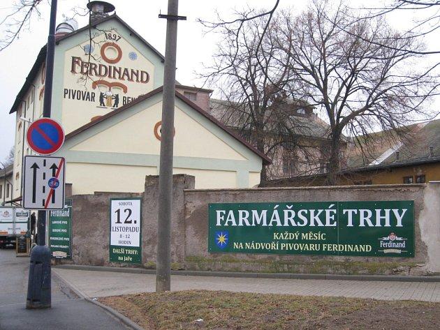 Každý měsíc by podle poutáku na zdi benešovského pivovaru měly být farmářské trhy právě na tomto místě. Zda tomu tak bude i letos,  zatím není jasné. Smlouvu pivovar s městem respektive jeho Kulturním informačním centrem nemá.