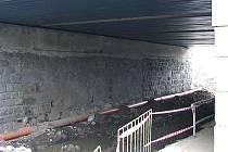 Podjezd pod tratí v Čerčanech bude pro nákladní auta průjezdný jen dočasně.