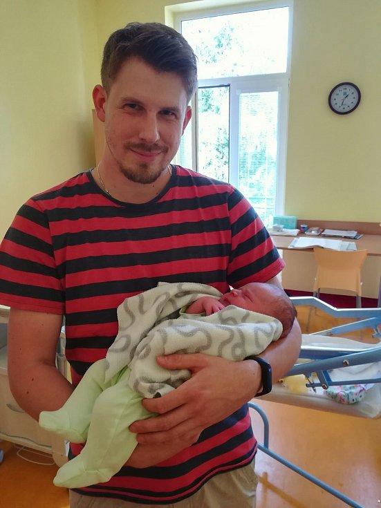 Honzík Paluska se narodil Pavle Zrzavecké a Ondřeji Paluskovi z Bystřice 31. srpna 2019 v 17 hodin, 50 minut,  vážil 3 980 kilogramů a měřil 52 centimetrů.