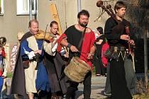 Svatováclavské slavnosti zahájil průvod a večer ukončí ohňostroj.